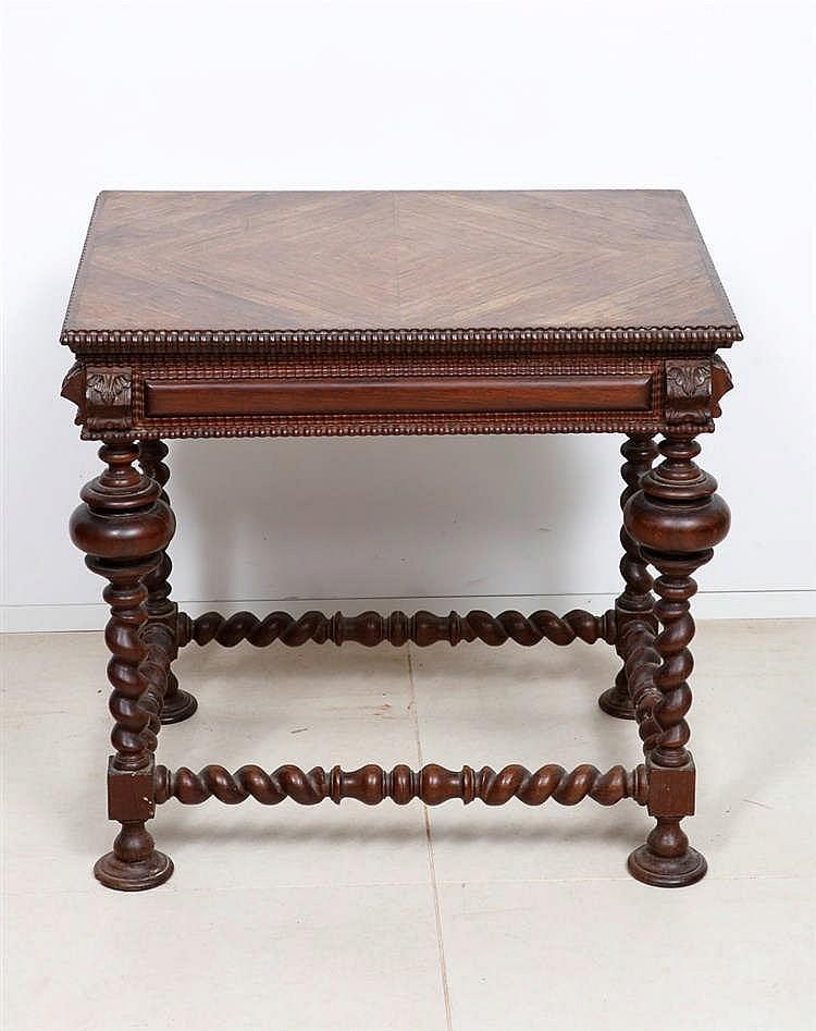 Pequena mesa bufete for Mesas pequenas