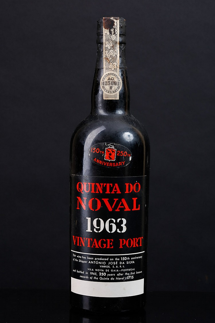 vintage port wine bottle quotquintadonovalquot