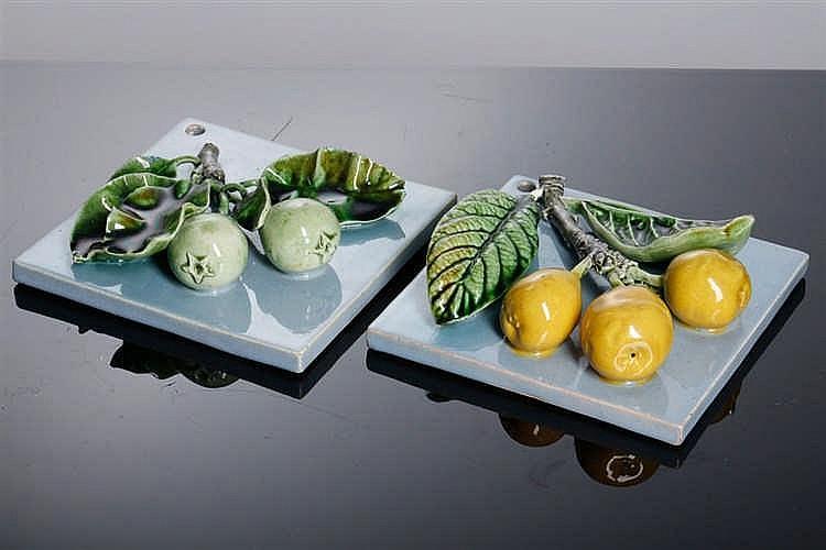 Dois azulejos decorativos for Azulejos decorativos
