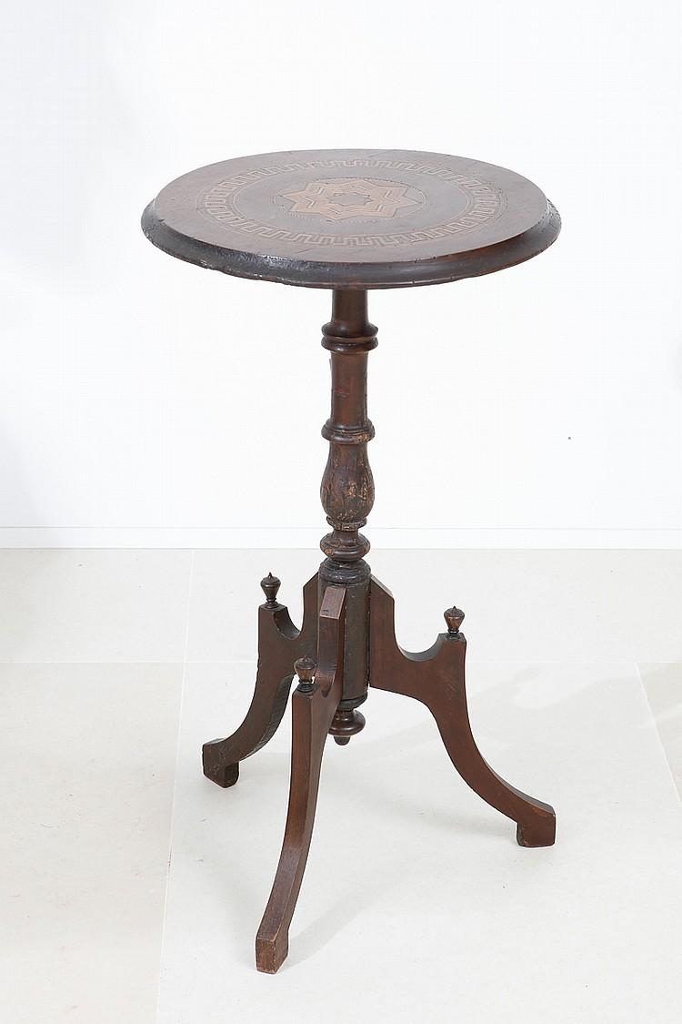 Pequena mesa de p de galo for Mesas pequenas