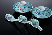 TWO BOWLS WITH A LID AND TRHEE SPOONS
