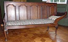 Eighteenth century oak settle/bed, with panelled