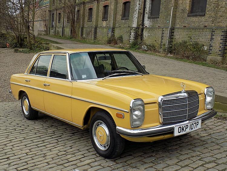 1975 Mercedes-Benz 200D