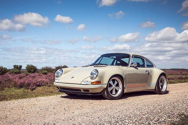 1979 Porsche 911 by Theon Design