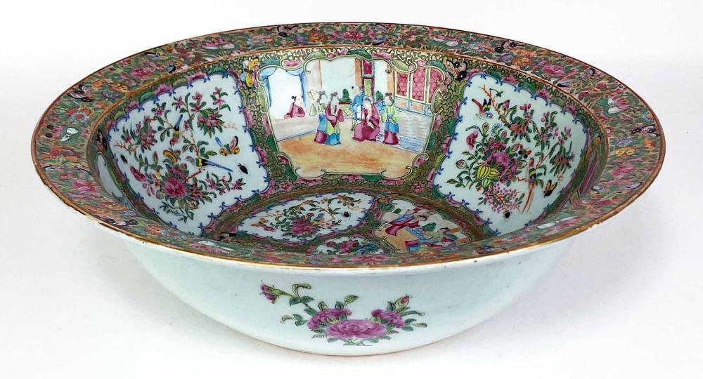 CHINESE EXPORT ROSE FAMILLE BOWL