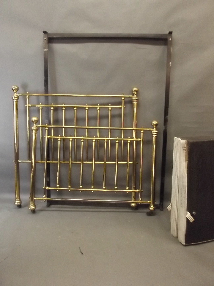 A victorian style brass bed with rails and divan base 55 w for Victorian divan