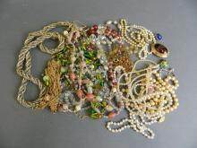 A large quantity of assorted lady's costume jewellery