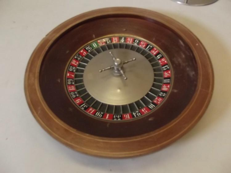 Standard casino roulette wheel size