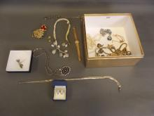 A quantity of jewellery to include lady's Longines wristwatch, gold chain, gold teeth etc