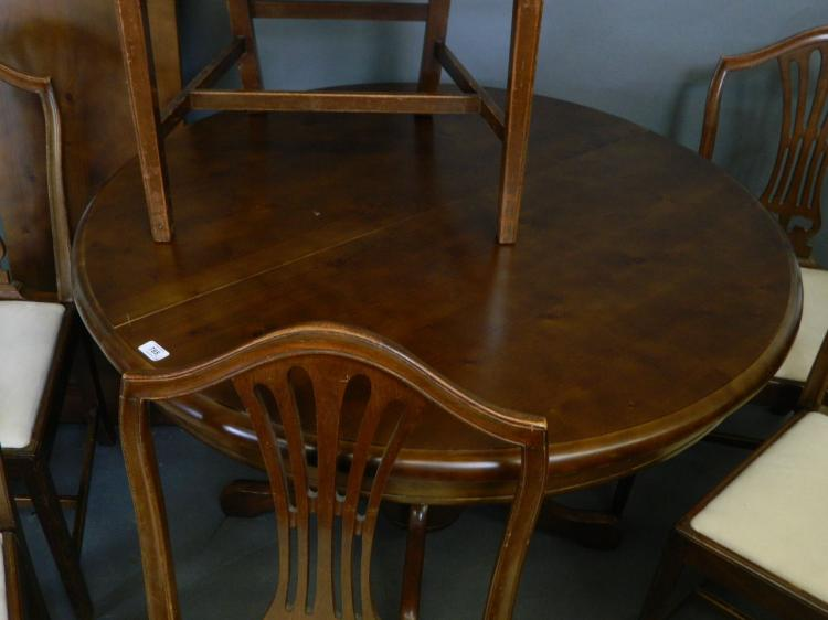 Pleasant A Circular Pine Extending Dining Table With Extra Leaf On A Short Links Chair Design For Home Short Linksinfo