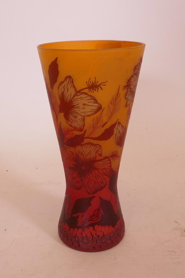 AN OVERLAID AND CUT GLASS VASE, 10
