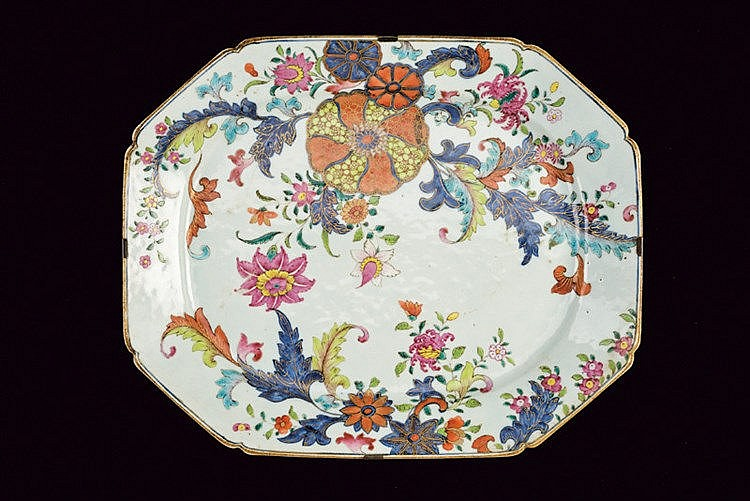 A rare tobacco leaf decorated porcelain exportation plate