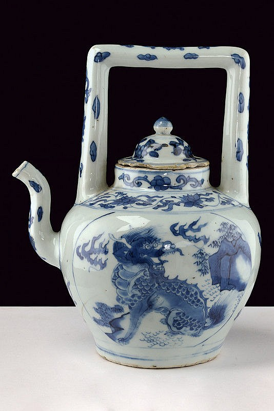 A beautiful and rare blu and white porcelain tea pot