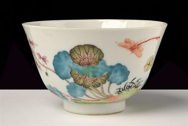 A fine and rare famille rose porcelain cup Shen De Tang Zhi marked
