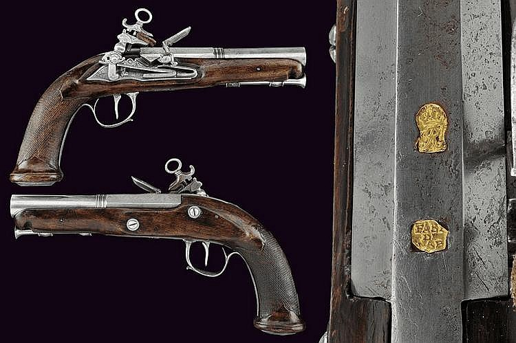 A pair of officer's flintlock pistols