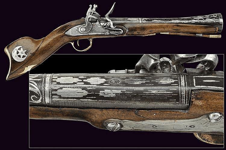 A flintlock blunderbuss gun