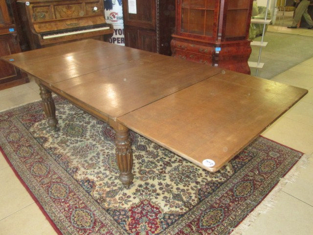 Victorian Oak Extending Dining Table