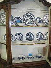 31 Piece Part Blue and White Dinner Set
