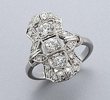 Art Deco platinum and diamond ring,
