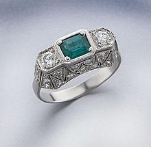 Art Deco platinum, emerald and diamond ring