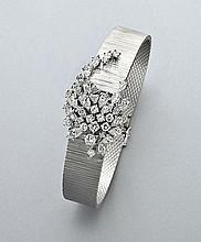 18K gold and diamond ladies' bracelet watch