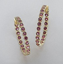 18K gold and garnet hoop earrings