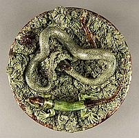 Portuguese Palissy dish by Mafra with a lizard