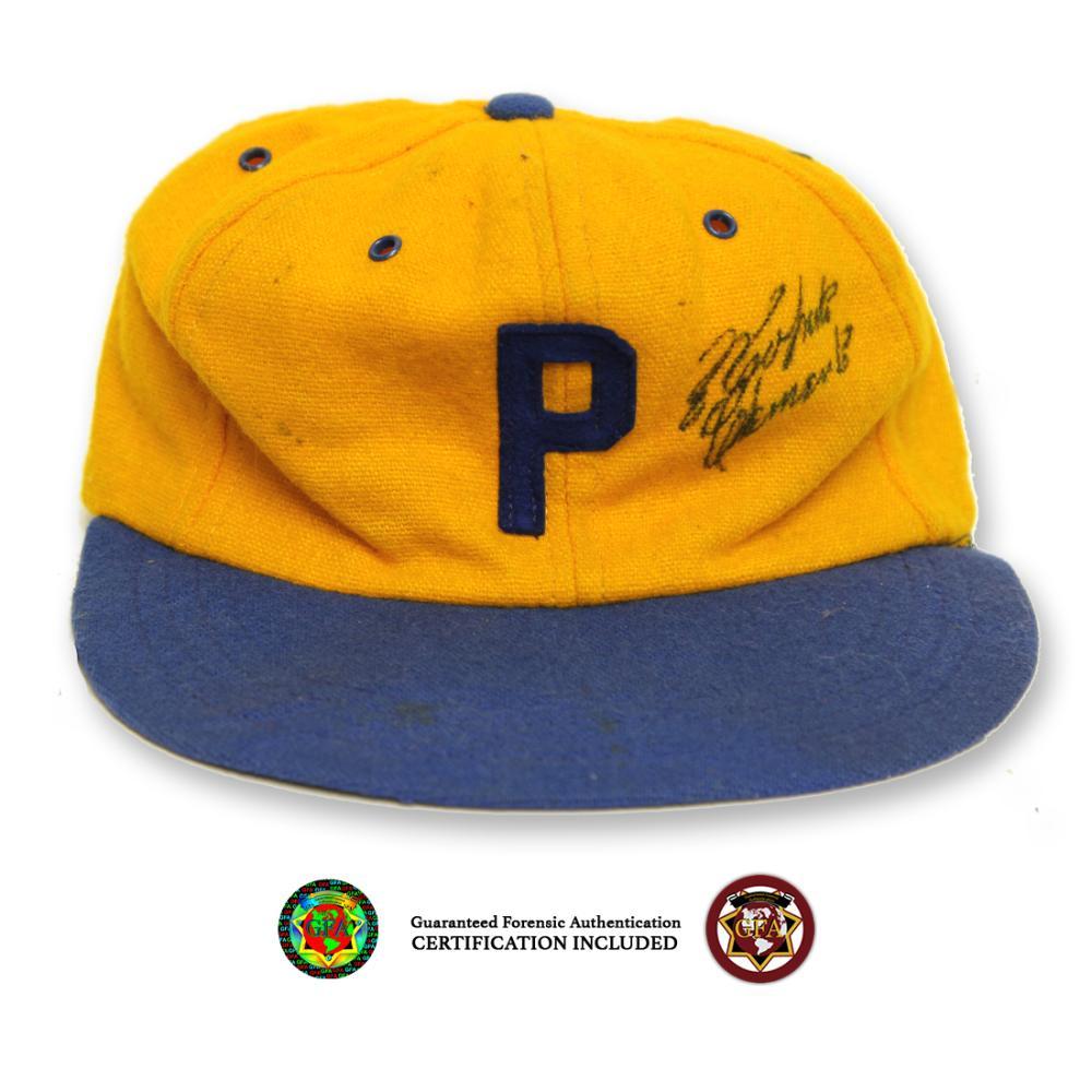 Roberto Clemente Signed Vintage Pirates Cap