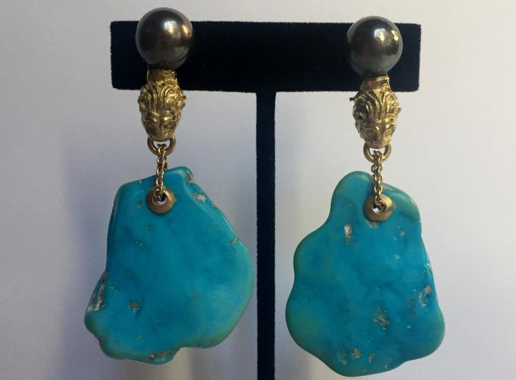 18k and turquoise earrings by Sorab & Roshi
