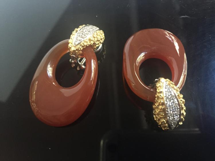 18k diamond and carnelian earrings, 19.1 dwts(total weight)