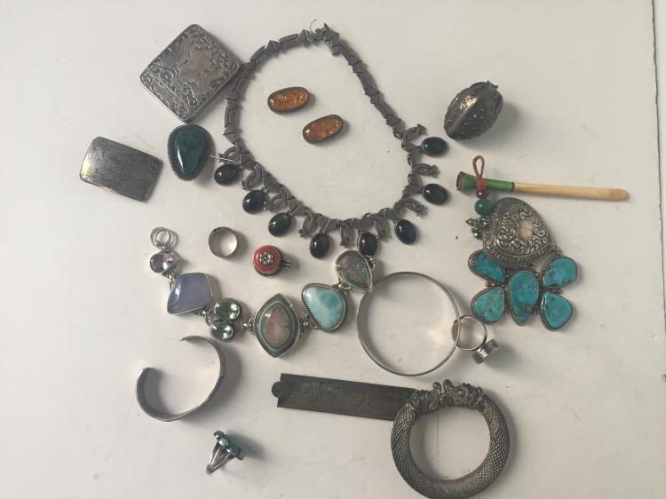 Box lot-silver jewelry items