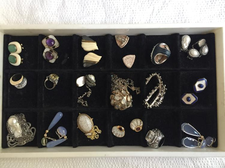 Box lot-Eighteen pieces silver jewelry including Kai Yin, 11.9 t. oz