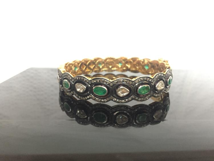18k diamond and emerald bracelet, Indian, 15.3 dwts