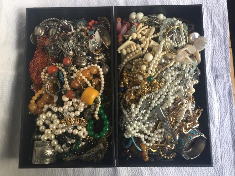 Box lot-costume jewelry in two trays