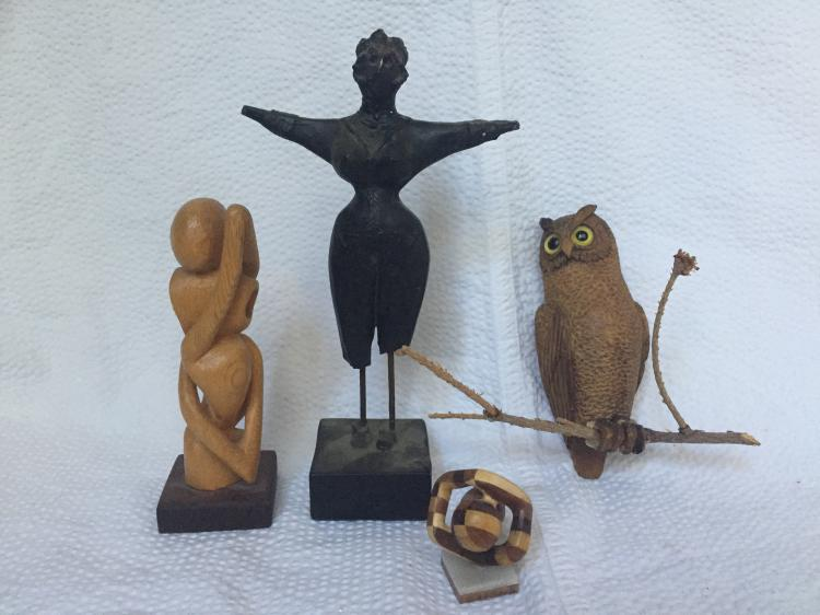 Box lot-Miscellaneous small sculptures