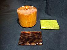 Box lot-Bakelite items, incl music box