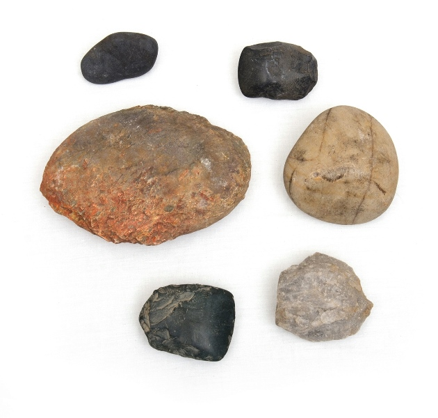 6 Aboriginal Stone Tools.  Incl. 2 blades/scrapers; & quartz pounder etc. Collected Walgett c1960.