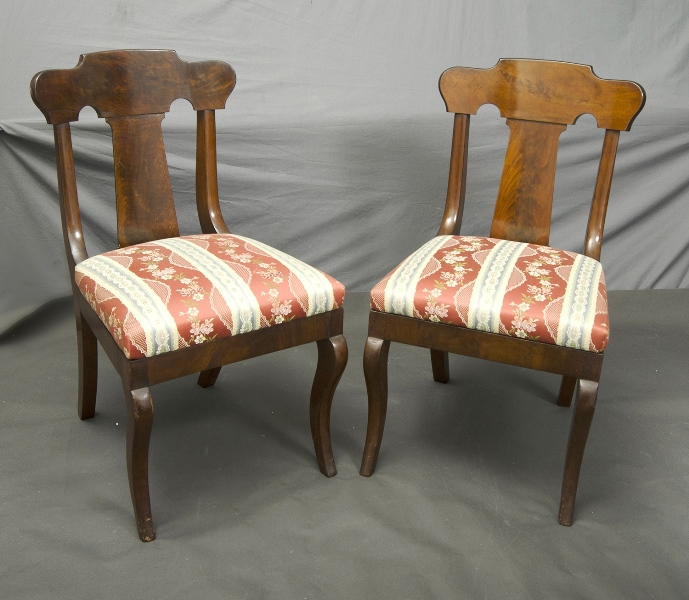 6 Matching Early Mahogany Dining Room Chairs. Splat backed, upholstered seats.
