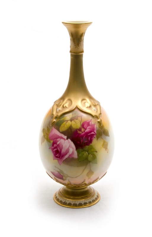 Royal Worcester Signed Porcelain Vase.  Signed M Hunt. Floral decoration with gilt highlights. Marked to base 1889-15-74 c1918.