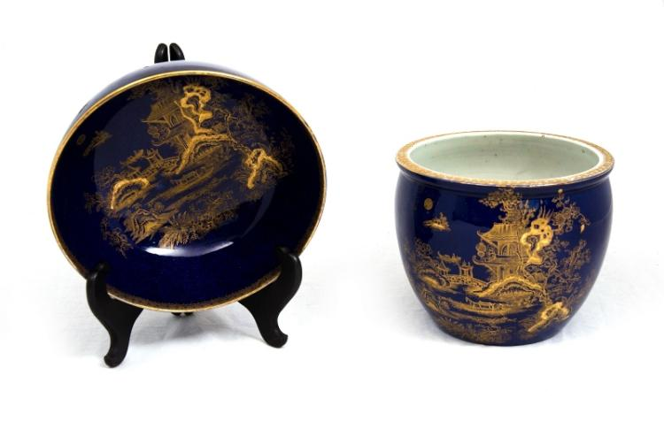 Matching Vict Willow Pattern Jardiniere & Bowl.  Willow pattern in gilt on blue ground. Indistinct mark to base of jardiniere.