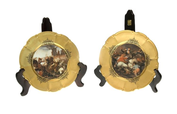 Pr Hutschenreuther Cabinet Plates.  Each marked to reverse 'Sylvia.' 2 classical biblical scenes on gilt ground.