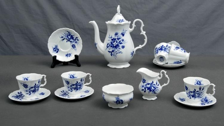 15 Pce Royal Albert Connoisseur Coffee Set. 6 cups & saucers, cream jug, sugar bowl & coffee pot.