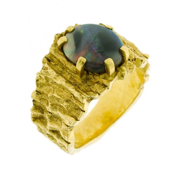 18ct Yellow Gold Opal Dress Ring.