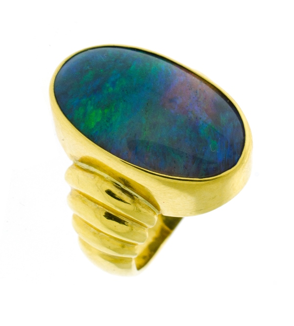18ct Yellow Gold Solid Opal Ring.