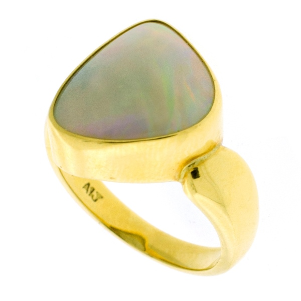 18ct Yellow Gold Opal Ring.