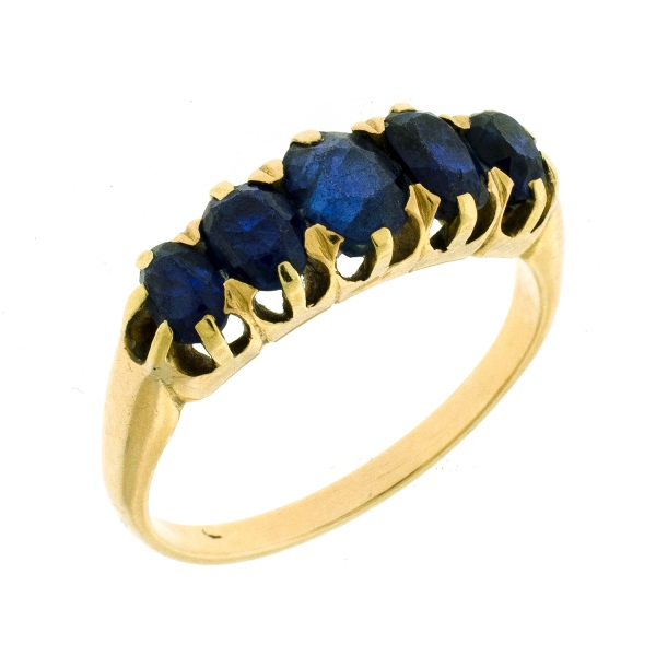 18ct Yellow Gold Sapphire Ring. 5 sapphires claw set in line (total approx. 3cts).