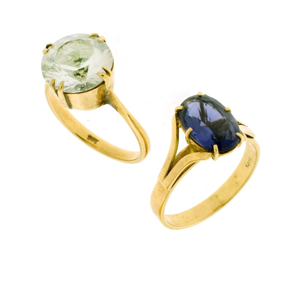 2 Var Yellow Gold Stone Set Rings. Incl. 9ct yellow gold topaz set; & 1 other set iolite.