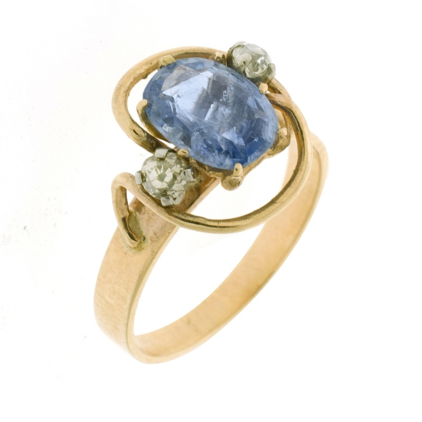 9ct Yellow Gold Sapphire & Diamond Ring. Set with central oval sapphire (approx. 2ct) & 2 old euro cut shoulder diamonds. Total diamonds approx 0.18ct