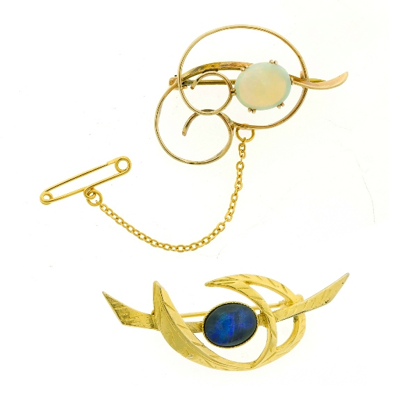 2 Var Yellow Gold Opal Set Brooches.  Incl. 1 solid & 1 triplet. Both in gold frames.