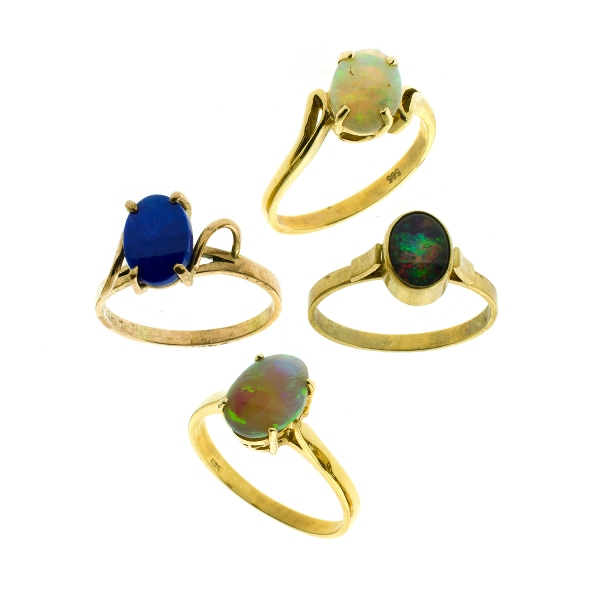 4 Var Yellow Gold Opal Rings. Incl. 3 solid; & 1 triplet. 2 14ct; & 2 9ct. All 4 with oval stones.